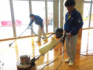 公共施設の床清掃