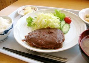 ハンバーグ定食 600円